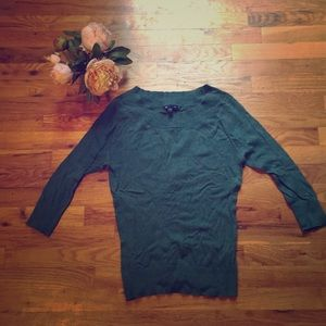 Beautiful turquoise/ teal knit 3/4 sleeve top